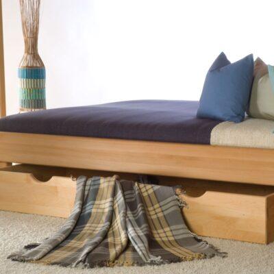 , Mediniai miegamojo baldai